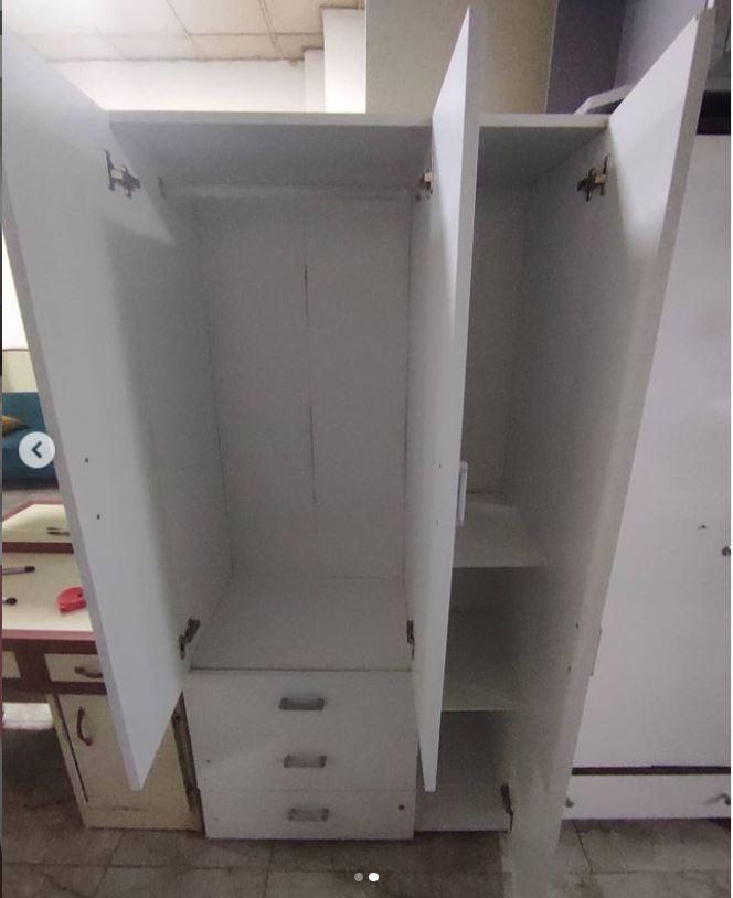 http www efemspot com 3 kapili 3 cekmeceli elbise dolabi ikinci el temiz urun boy180 en80 derinlik40 nakliye montaj dahil